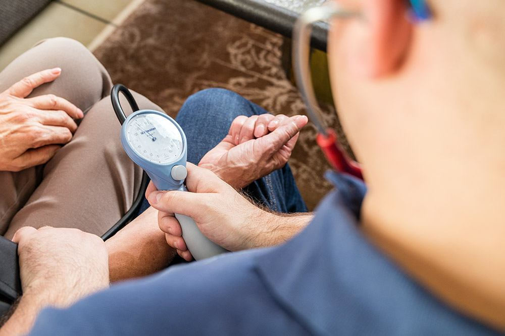 Blutdruck messen Projekt Krankenpflegedienst Kolbe
