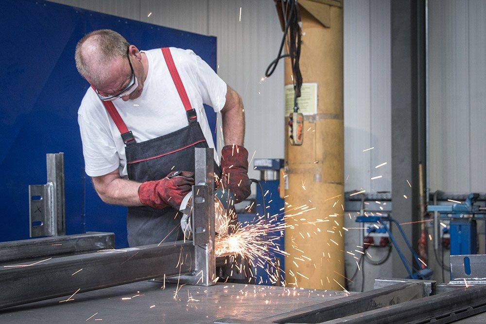 In Aktion für R&C Blechformtechnik