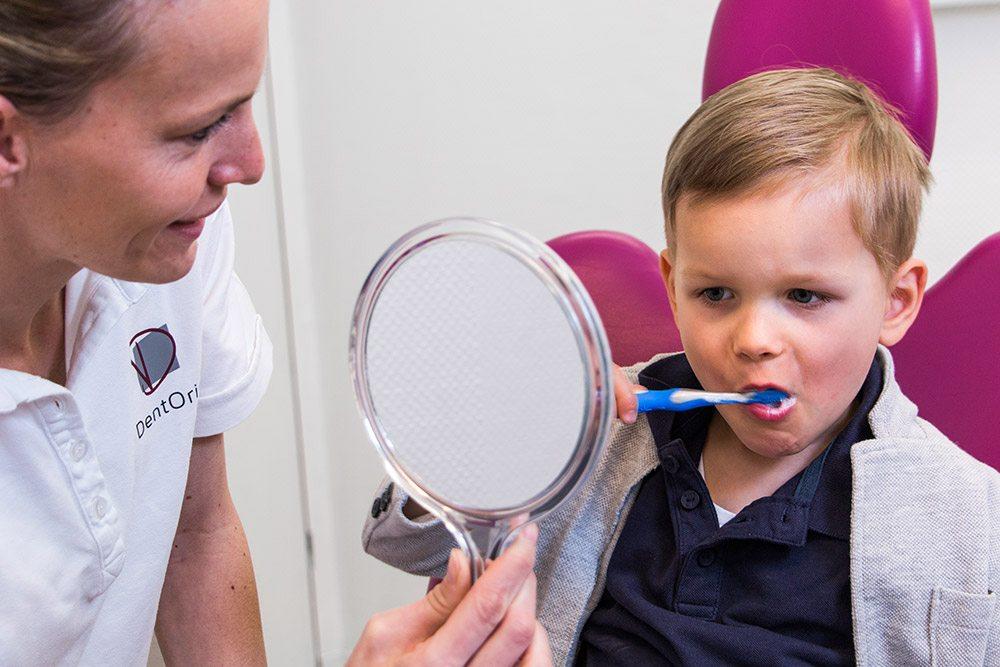 Kinderzahnarzt / Prophylaxe für DentOris