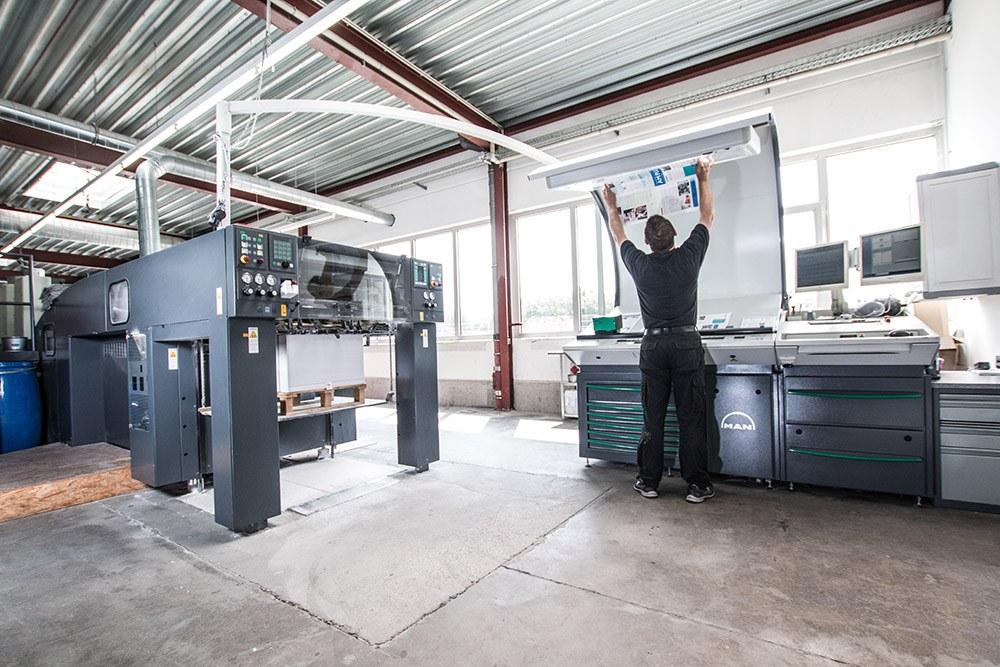 Druckmaschine und Druckbogen