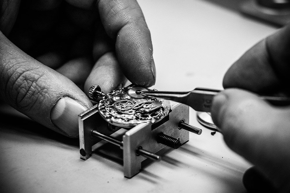Details eines Uhrwerks für Juwelier Winkels